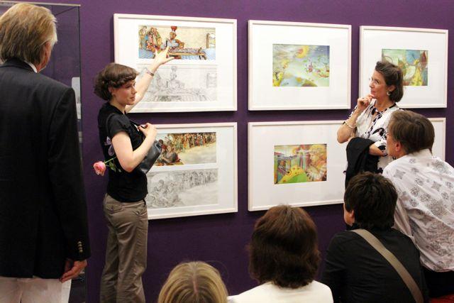 Führung durch die Ausstellung: Claudia Carls und Dr. Dagmar Gausmann-Läpple