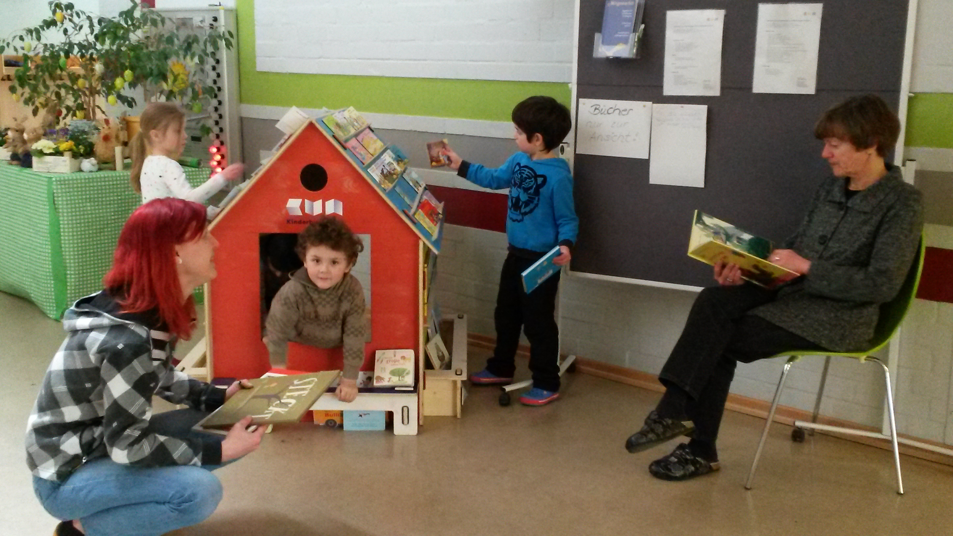 das mobile kinder buch haus kinderbuchhaus im altonaer museum. Black Bedroom Furniture Sets. Home Design Ideas